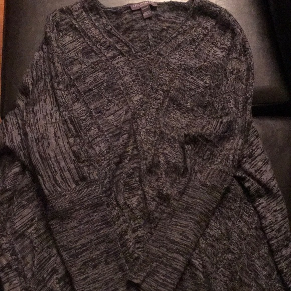 A Pea in the Pod Sweaters - Charcoal gray and black maternity sweater